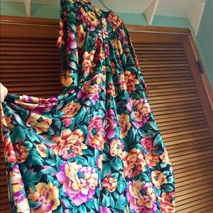 Vintage Carraige Court Bold Floral Mumu Dress